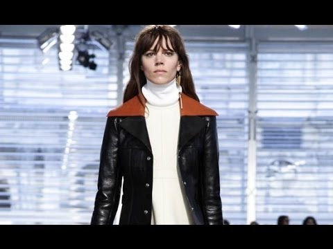 Louis Vuitton | Fall Winter 2014/2015 Full Fashion Show | Exclusive Video