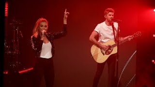 The Chainsmokers Kelsea Ballerini 39 S World Premiere Of 39 This Feeling 39