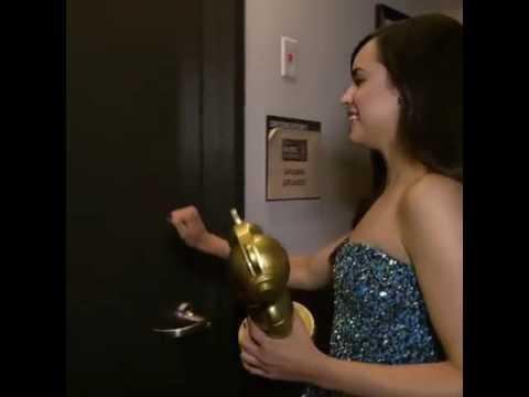Ariana meeting sabrina carpenter