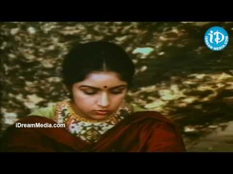 Mouna Ragam Movie - Revathi Introduction Scene video