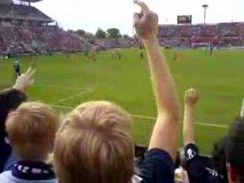 """Ascoli"" chant by the travelling MVFC contingent at Hindmarsh Stadium. Respect to SBN74 Ultras from Ascoli. Adelaide United vs Melbourne Victory - Major Semi..."