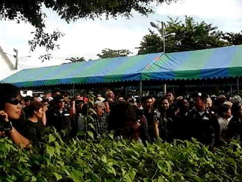 Police patrol as slain Thai protest leader mourned
