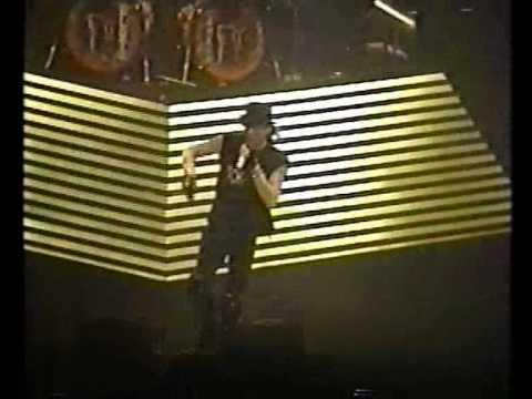RATT - Lovin' You's A Dirty Job (live - Osaka 1991)