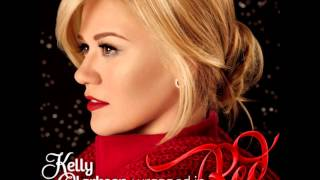 Watch Kelly Clarkson Run Run Rudolph video