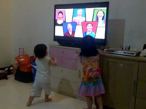 miley & mikha singing hi5 3