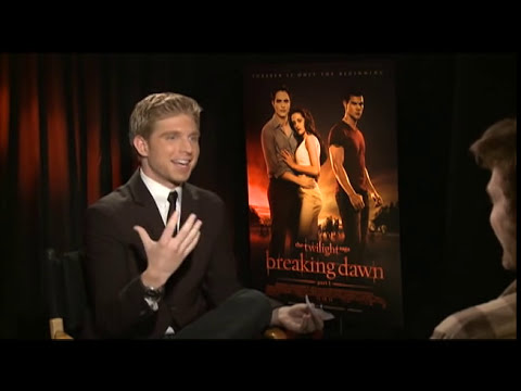Robert Pattinson, Kristen Stewart and Taylor Lautner Interview for BREAKING DAWN: PART 1