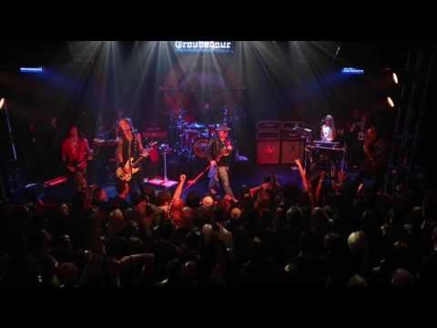 Guns N' Roses 'Knockin' on Heaven's Door' Troubadour Gig [Exclusive]