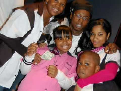 Pictures of Lil Wayne's Daughter, ex-wife and other ppl. :)
