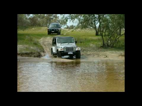 Moore River - 4WD RIVER CROSSING