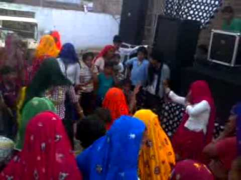 local dance by ladies and small girl on ramdhan gurjar rasiya...