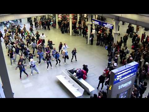Flash Mob At St Pancras International Nye 2010 video