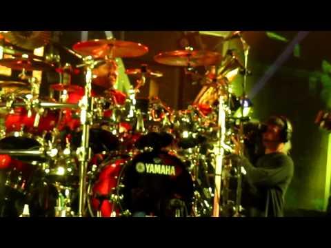 Dave Matthews Band performs