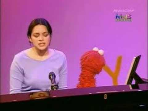 "Norah Jones Sings ""Don t Know Why"" on Sesame Street"