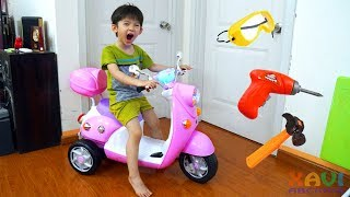 Baby Xavi Assembling Pink Mini Bike ride on - Kid unboxing toy, Motorbike for kids and babies