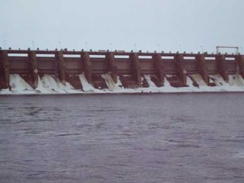 Wisconsin river Walleye fishing   Feb. 12th 2011Copy of petenwell dam 2011.MOV