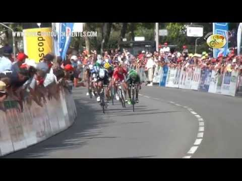 Le sprint à l'arrivée de la 5ème étape à Poitiers
