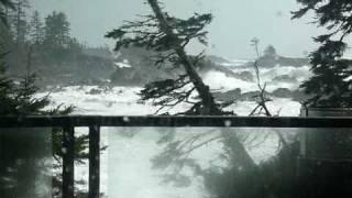 Tofino, Ucluelet HURRICANE STORM WAVES/PACIFIC OCEAN***2011