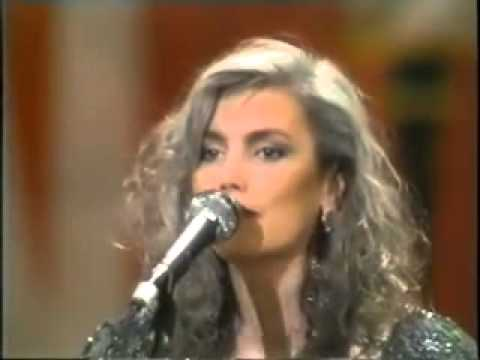Emmylou Harris&The Nash Ramblers - Guitar Town (Live At The Ryman)