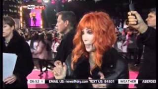 Cher and Christina promote Burlesque - London premiere (13.12.2010)