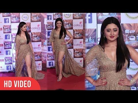 Rashami Desai at 17th Indian Television Academy Awards 2017   ITA Awards 2017   Colors TV thumbnail