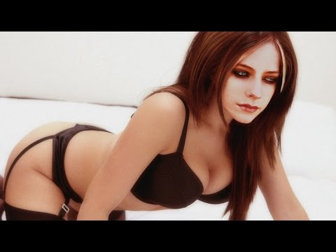 10 Sexy Avril Lavigne HD Photos in Under 60 Seconds