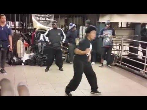 رقص خطير و ممتع new york sub way dancing thumbnail