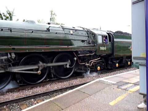 Oliver Cromwell (wheel spin ) & moveing out of Bedford Midland Road Station