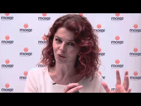 Paola Saluzzi riceve il Premio Conchiglia Moige 2013 -2014