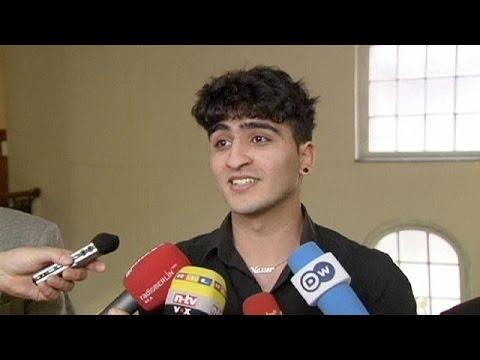 شاب يقاضي أهله بسبب مثليته في ألمانيا