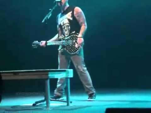 Avenged Sevenfold - Zacky Vs Surprise Song