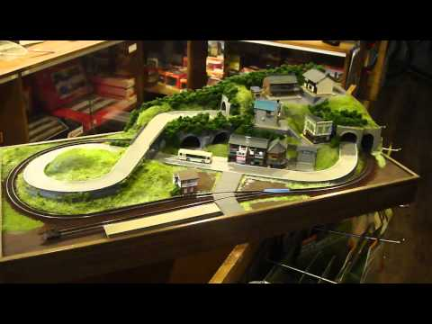 80X40cm N scale layout with bus and train PART 2