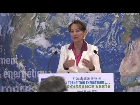 Conférence de presse de Ségolène Royal : la loi de transition énergétique est promulguée