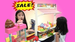 Chloe Pretend Play Shopping with Giant Grocery Store Super Market Toy Fun TV