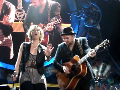 Sugarland covers: Cee Lo Green (Forget You), Britney Spears, Destiny's Child. Everyday America Remix
