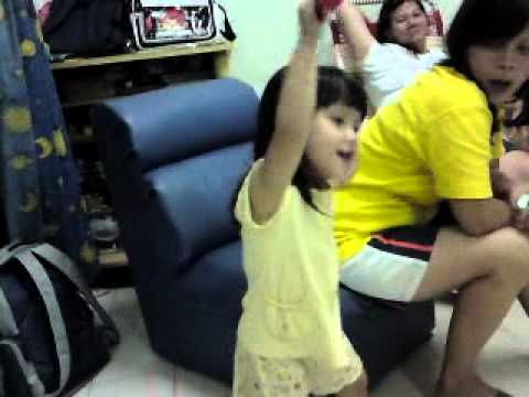 Cute 3 Yrs Old Mei Mei (肥妹) Sang Hokkien Song With Pattern.mp4 video