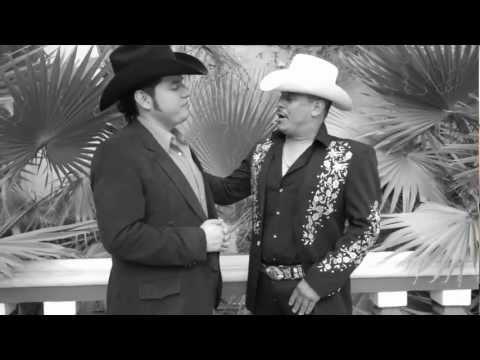 Los Invasores De Nuevo León Ft. Los Herederos De Nuevo León - La Viviana (Video Oficial 2012)