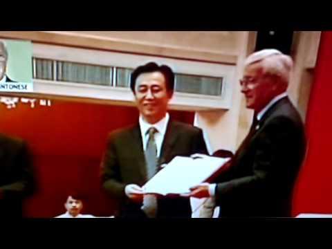 Presentazione Marcello Lippi in Cina [Nuovo Allenatore del Guangzhou] 17-05-2012