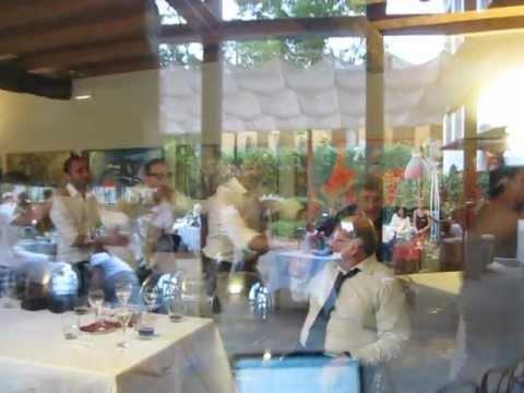 """Trenino """"Mama Insegname A Bailar"""" HOTEL RISTORANTE 700 www.iltuomatrimonio.com.avi"""