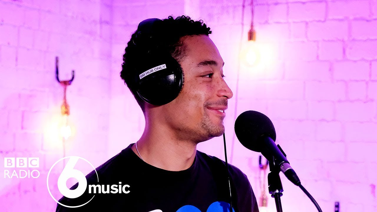 Loyle Carner - Looking Back (6 Music Live Room)
