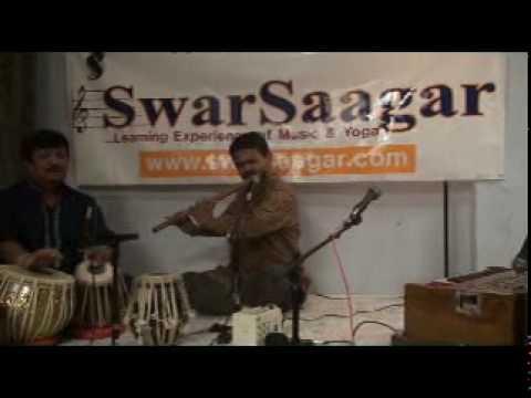 Naino Mein Badra Chhaye - Live Flute.mpg