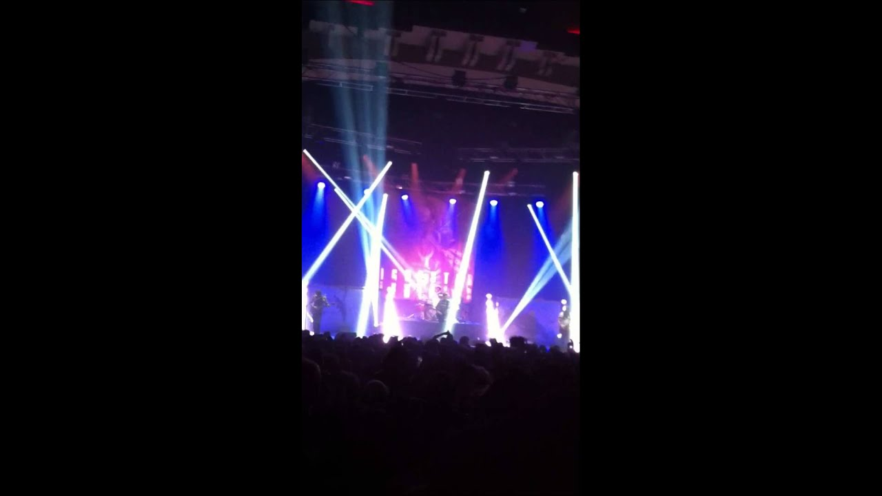 Fightstar live - we apologise for nothing - YouTube
