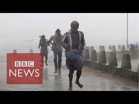 Cyclone Hudhud batters eastern India - BBC News