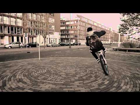 This video is a collaboration of Amsterdam stunt rider Khalid and myself. While he practiced his MTB tricks I practiced some composition concepts. The footag...