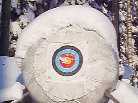 Winter archery with Mongolian bow. Kassai.wmv