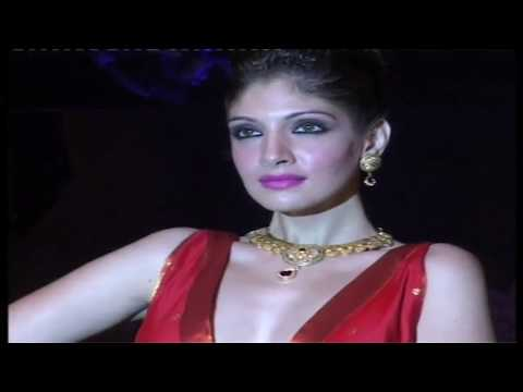 Marathi Girls Changed Navari Sarees To Navari Short Skirts video