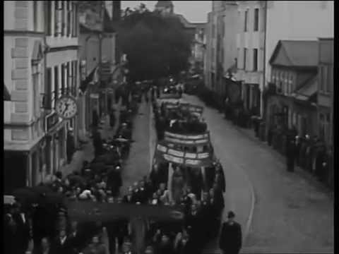 22 Maipüha pidustused esimesel okupatsiooni aastal, Tartus 1941.