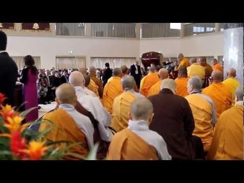 Dalai Lama visits Quang Minh Temple 2011