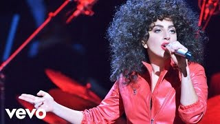 Клип Lady Gaga - Bang Bang (My Baby Shot Me Down) (live)