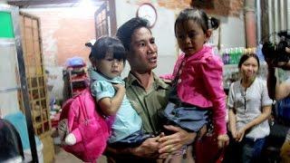 Bữa cơm của 2 gia đình sau hơn 3 năm bị trao nhầm con ở Bình Phước