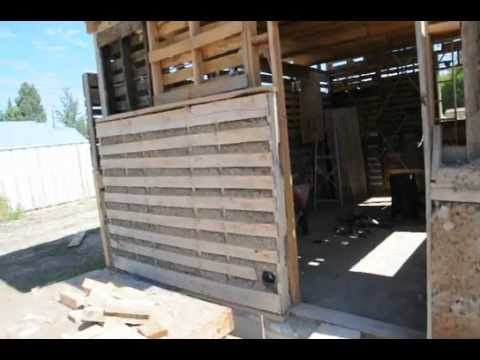 Pallet Shed With Light Clay Wood Chip Insulation Youtube